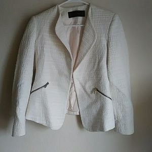 Zara tweed blazer in ivory color size xs